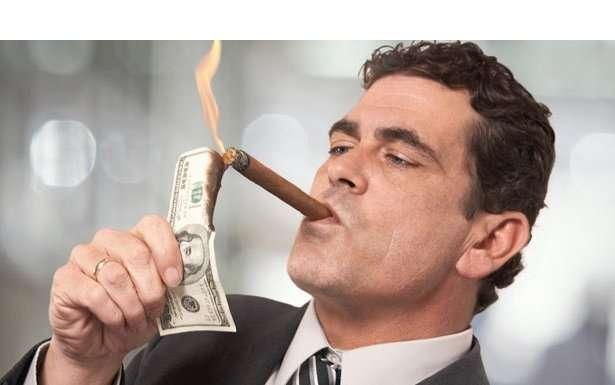 agente-inmobiliario-exitoso-españa